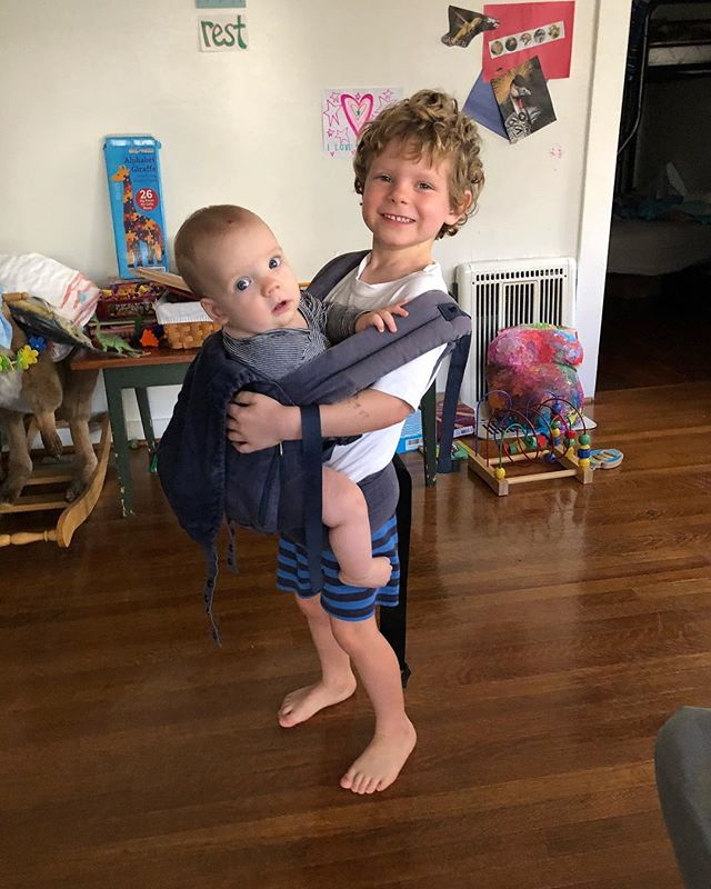This @ergobaby started with Athena, the oldest cousin, in 2010, then went to baby Malcolm in 2014, then back to A's family for baby cousin Rowan in 2015, then back to us for Charlie in 2018. #brothers #inmyergo